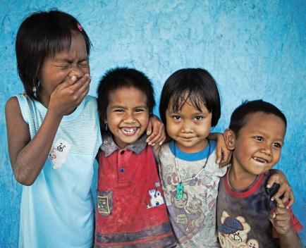 Familien können aufgrund ihrer verbesserten  Existenzgrundlagen ihre Kinder in die Schule  schicken.