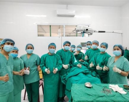 Die wichtigste Tätigkeit des Swiss Laos Hospital Project ist die Aus- und Weiterbildung von ÄrztInnen, Pflegenden und Hebammen.
